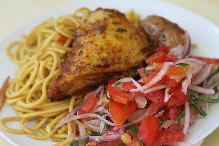 """""""Pollo al Horno"""" - Un bon repas pour 10$B (soit 1€)"""