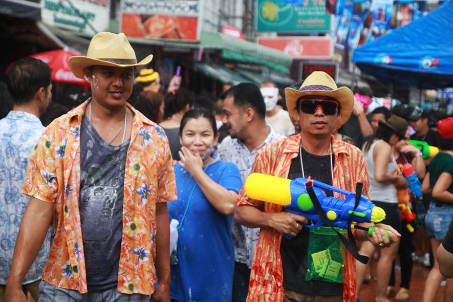 Songkran, la plus grande bataille d'eau du monde !
