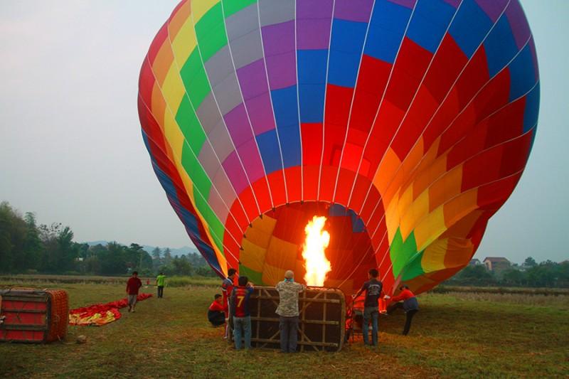 Montgolfière bientôt prête pour le décollage !