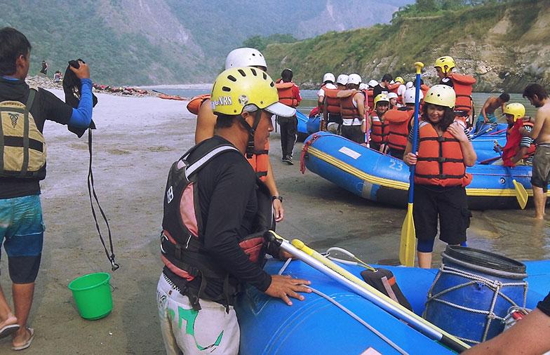 activité-autour-du-monde-rafting