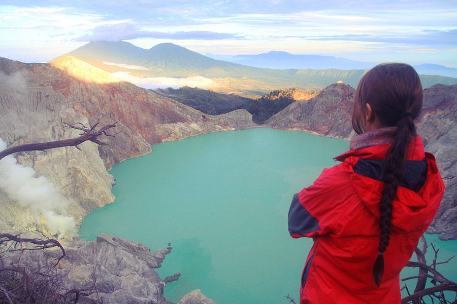 activite-autour-du-monde-cratere