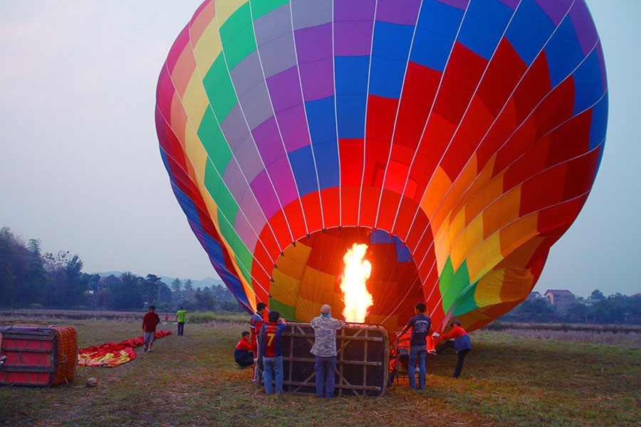 activite-autour-du-monde-montgolfiere
