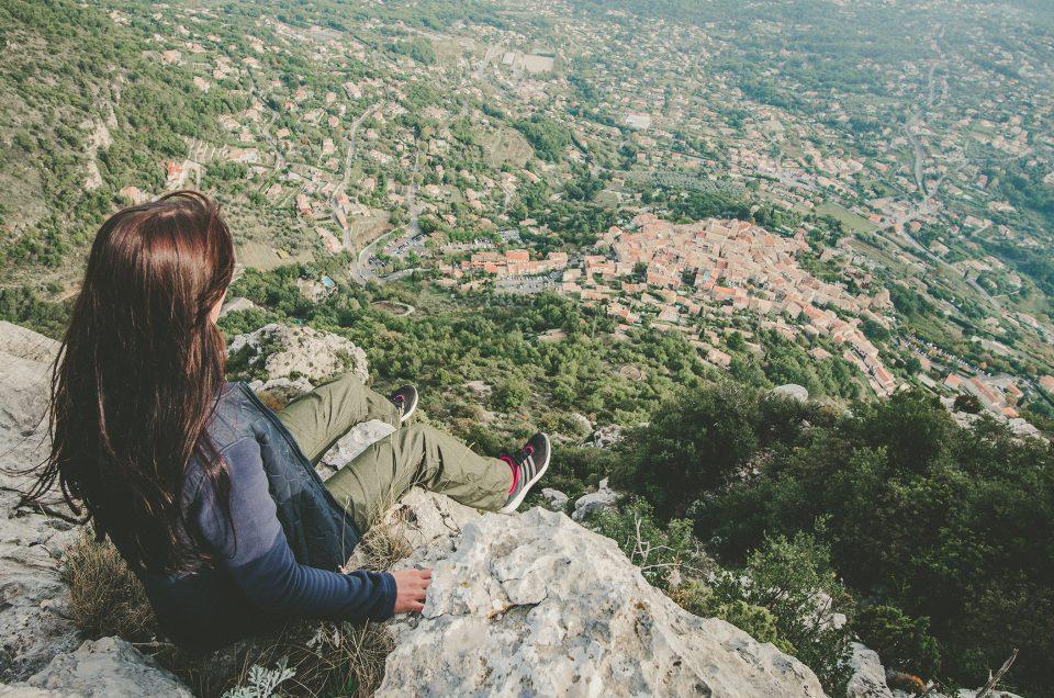 La randonnée qui mène au sommet du baou de Saint-Jeannet, avec un superbe panorama à l'arrivée !