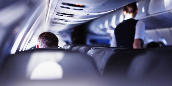 Pourquoi je détesterais être une hôtesse de l'air !? Ces passagers agaçants…