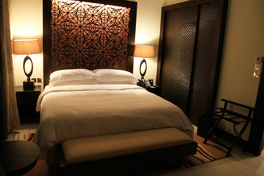 hotel-the-address-dubai-bedroom