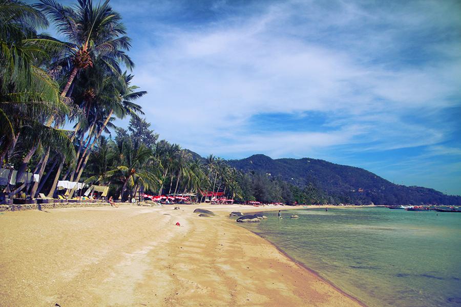 La jolie plage de Sairre, déserte...