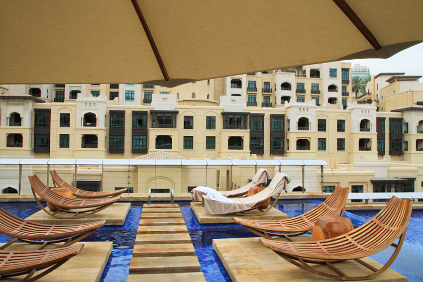 transat-piscine-restaurant-zeta-the-address-dubai